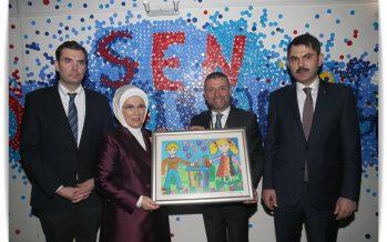 """Emine Erdoğan, """"Sen Durdurabilirsin"""" adlı geri dönüşüm sergisinin açılışını gerçekleştirdi"""