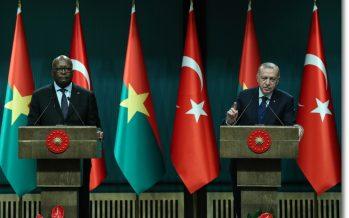 """Cumhurbaşkanı Erdoğan,""""Karşılıklı saygı ve eşit ortaklık temelinde, Afrika ülkeleriyle iş birliğimizi daha ileriye taşımaya kararlıyız"""""""