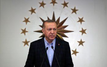 """Cumhurbaşkanı Erdoğan,""""Kovid-19 ile mücadelemizi milletimizle birlikte kararlılıkla sürdürüyoruz"""""""
