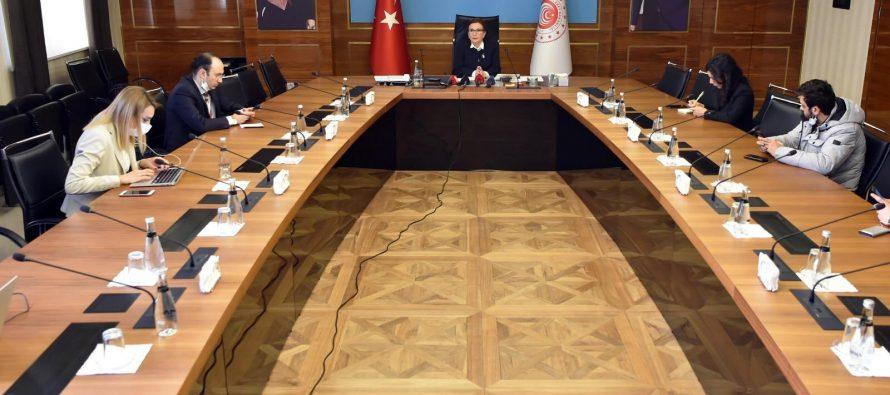 """Ticaret Bakanı Ruhsar Pekcan, Kovid-19 salgınına karşı """"temassız ticaret"""" çözümünü anlattı"""