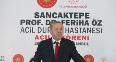 """Cumhurbaşkanı Erdoğan,""""Dünyada pek çok ülkede sağlık sisteminin çöktüğü bir dönemde, Türkiye yeni imkânlar üreterek farklı bir konuma geldi"""""""