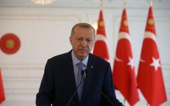 """Cumhurbaşkanı Erdoğan, """"Yılın ikinci yarısıyla birlikte, ekonomide çok büyük bir ivme bekliyoruz"""""""