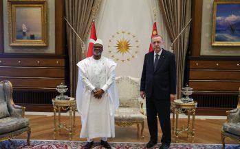 Cumhurbaşkanı Erdoğan, Sierra Leone Büyükelçisi Mohamed Hassan Kai-Samba'yı, Cumhurbaşkanlığı Külliyesinde kabul etti.