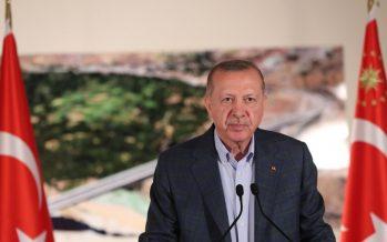 """Cumhurbaşkanı Erdoğan,""""Ardı ardına açılışlarını yaptığımız sağlıktan ulaşıma her yatırımı geleceğimize tutulmuş bir ışık olarak kabul ediyoruz"""""""