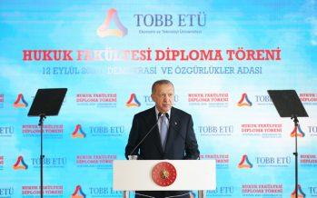 """""""Hayata geçirdiğimiz reformlarla demokrasimizin üzerindeki tüm vesayet izlerini ortadan kaldırdık"""""""