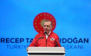 """Cumhurbaşkanı Erdoğan, """"Türkiye'nin hedeflerine ulaşmak için üreten, somut neticelere ulaşan başarılı gençlere ve insanlara ihtiyacı bulunuyor"""""""
