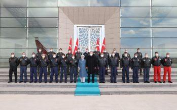 Cumhurbaşkanı Erdoğan, Dünya Pilotlar Günü dolayısıyla pilotlarla bir araya geldi