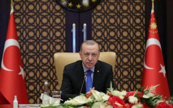 """Cumhurbaşkanı Erdoğan, """"Üç kıtanın kalbi konumundaki Türkiye'yi küresel bir üretim ve teknoloji üssü hâline getireceğimize inanıyorum"""""""