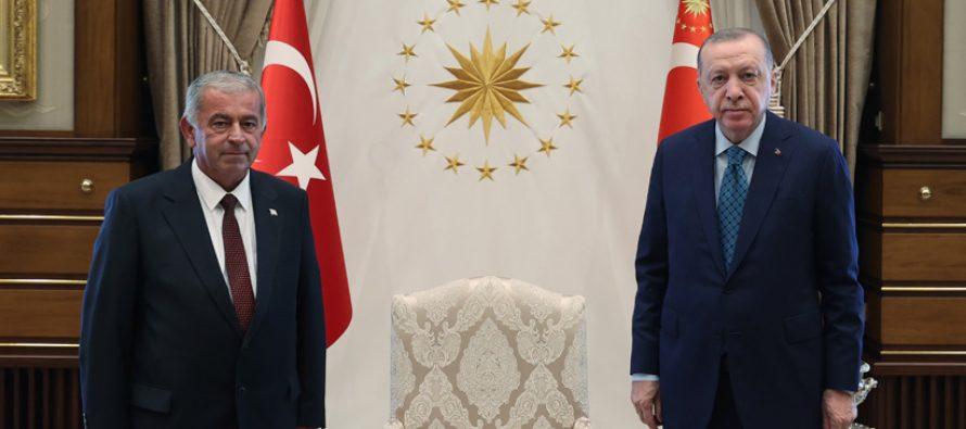 Cumhurbaşkanı Erdoğan, KKTC Cumhuriyet Meclisi Başkanı Sennaroğlu'nu kabul etti