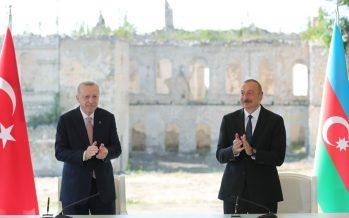 """""""Bölge üzerinde etkisi olan herkesi, hakikatleri görmeye, Azerbaycan halkının zaferini kabullenmeye ve geleceğe bakmaya davet ediyoruz"""""""
