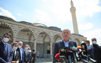 Cumhurbaşkanı Erdoğan, Cuma namazını Diyarbakır Kurşunlu Camii'nde kıldı