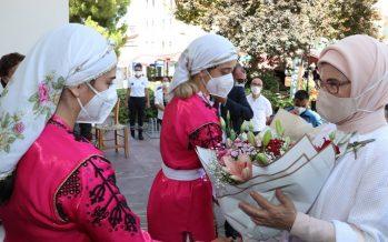 Emine Erdoğan, KKTC'de Girne Belediyesi Sosyal Yaşam Merkezi'ni ziyaret etti